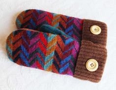 sweater mittens with colorful zigzag pattern by miraclemittens