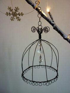 Petit wire cage cloche