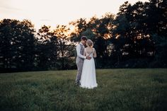 die Traumlocation zum Heiraten im Mühlviertel  #Hochzeitsfotografin #Vedahof Portrait, Lavender, White Dress, Wedding Photography, Dresses, Fashion, Photos, Getting Married, Wedding Shot