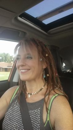 Live the life you love: Dreadlock Journey at week 4 - Twist and Rip Method...