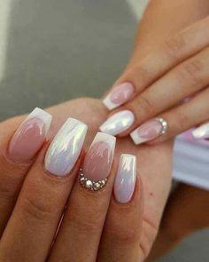 ¡Creo que voy a probar este diseño de uñas! ¡Creo que voy a probar este diseño de uñas! Fabulous Nails, Gorgeous Nails, Pretty Nails, Nail Manicure, Diy Nails, Nail Polish, Bridal Nails, Wedding Nails, Glitter Wedding