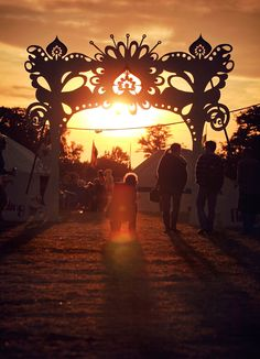 silhouette archway