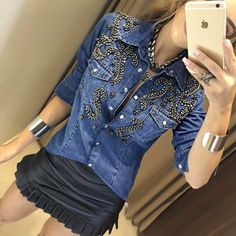 """I wouldn't wear with skirt this short, but would wear glitter denim top with silky black pants. Cute Skirt Outfits, Casual Outfits, Fashion Outfits, Diy Jeans, Look Camisa Jeans, Outfits Con Camisa, Custom Denim Jackets, Denim Art, Embellished Jeans"