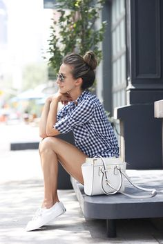 10 ways to wear white sneakers with style - Outfits Sneakers Outfit Summer, Sneakers Fashion Outfits, Keds Shoes Outfit, Sneaker Outfits Women, Sneakers Style, Bbq Outfits, Basic Outfits, Summer Outfits Women, Casual Summer Outfits
