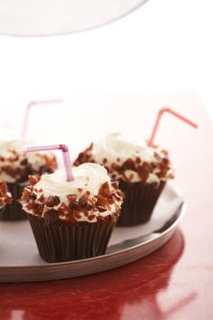 Root beer cupcakes. Sandra lee