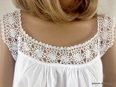 LINGE ANCIEN / Charmante chemise de jour avec empiècement au crochet d' art sur toile de percale