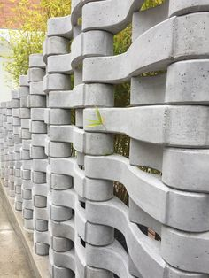 Concrete Building Blocks, Concrete Block Walls, Concrete Forms, Concrete Houses, Concrete Art, Breeze Block Wall, Interlocking Bricks, Cinder Block Garden, Brick Paneling