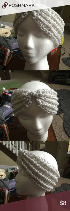 Turban Style Headband // Earwarmer Chunky style headband to keep your ears warm and your messy bun in plain view. 901 by Stacey Accessories Hats