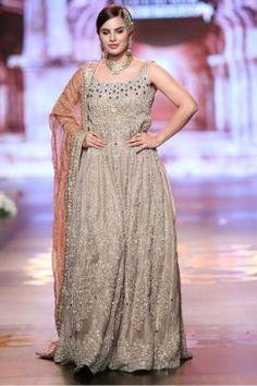 aisha-imran-bridal-dresses-2017-8