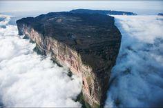 Mount Roraima Venezuela #mount #roraima #venezuela #mountroraima #landscape #paysage
