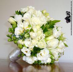 freesia-rose-white-posy-fall seasonal flowers