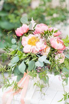 pink wedding bouquet #weddingbouquet @weddingchicks