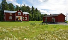 Vaniljan valkoista: heinäkuuta 2016 Red Houses, Home Fashion, Farmhouse, Cabin, Traditional, House Styles, Home Decor, Sweden House, Homemade Home Decor