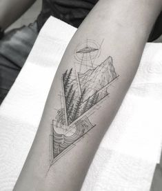 Abduction and waves. Black Ink Tattoos, Body Art Tattoos, Small Tattoos, Sleeve Tattoos, Tattoos For Guys, Cool Tattoos, Tattoo Set, Arm Band Tattoo, Geometric Mountain Tattoo