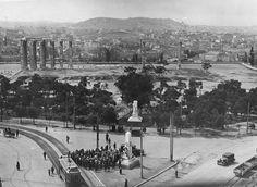 Φωτογραφία του χρήστη Η ΑΘΗΝΑ ΜΕΣΑ ΣΤΟ ΧΡΟΝΟ. Historical Photos, Once Upon A Time, Athens, Old Photos, Paris Skyline, Greece, Nostalgia, The Past, Street View