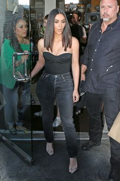 Kim Kardashian out in L.A / march 30, 2017
