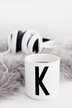 K Cup from Design Letters with typography by Arne Jacobsen. Minimalistic settings. www.designletters.dk