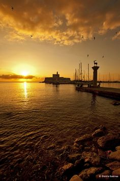 Sunrise at Rhodes / Rodos , Greece by Dimitris Koskinas Beautiful Sunset, Beautiful Beaches, Beautiful World, Greece Vacation, Greece Travel, Places To Travel, Places To Visit, Dawn And Dusk, Greece Islands
