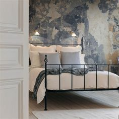 Battered Wall, Frontage collection, Wallpaper by Rebel Walls