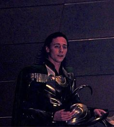 This has to be one of the cutest pictures of Tom as Loki that I've ever seen.