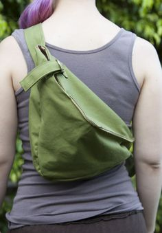 DIY ergo shoulder bag. Could add zipper for even greater security, and extra pockets for fun.