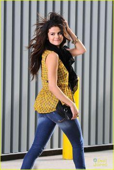 Selena Gomez: 'Dream Out Loud' Commercial Shoot Pics! | selena gomez dol shoot 03 - Photo
