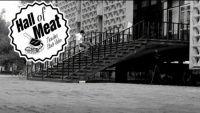 Thrasher Magazine lança clássicos vídeo com quedas de skatistas a série é chamada de Hall Of Meat desta vez a queda do skatista Cristian Huerta que estava tentando pegar o corimão de uma escadaria gigante.