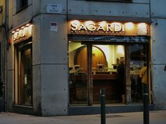 Sagardi Basque Tavern – a trendy chain serving beautifully presented pintxos and nice white wine (Txakoli). Sagardi's is self-service and a bit pricier. Follow the link to find out more.  http://mikestravelguide.com/where-to-eat-in-barcelona-in-barri-gotic-and-la-ribera-neighborhoods/