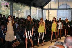 http://www.leichic.it/moda-donna/milano-moda-donna-simonetta-ravizza-fashion-show-foto-24217.html