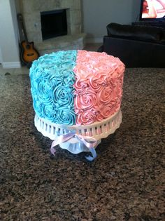 Gender reveal cake can't wait to be able to do this! ☺☺☺