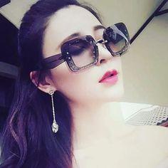 R250 Sunglasses Women, Fashion, Moda, Fashion Styles, Fashion Illustrations