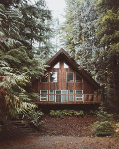 log cabin in the woods. Cabin Homes, Log Homes, Future House, My House, A Frame House, Cabin In The Woods, Cabins And Cottages, Log Cabins, Cozy Cabin