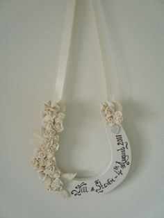 Personalised-Handmade-Wedding-Horshoe-Favour-Unique-Gift-for-the-Bride