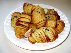 Kartoffelfächer mit Radieschen-Quark