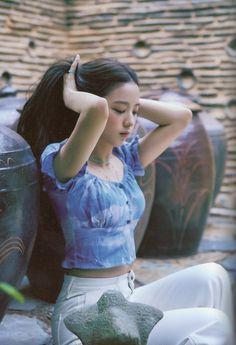 JISOO in BLACKPINK - Summer Diary in Seoul Photobook Kpop Girl Groups, Korean Girl Groups, Kpop Girls, Blackpink Jisoo, Album Blackpink, J Hope Dance, Black Pink Kpop, Blackpink Photos, Blackpink Fashion