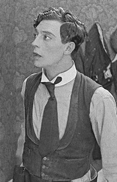 "Buster Keaton in ""The Scarecrow"" (1921)"