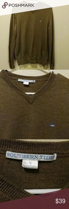 Southern Tide Vneck Brown Sweater Well loved but still in good condition, no major flaws. Runs a tad small so does fit Small as well. Southern Tide Sweaters V-Neck