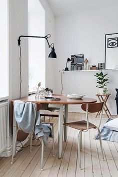 Everyday we share our stories and passions for home design and great architecture. Cute Furniture, Flat Ideas, Scandinavian Interior Design, Dining Room Walls, Living Room, Sweet Home, Minimalist Decor, Interior Inspiration, Daily Inspiration
