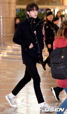 Nam Joo Hyuk Lee Sung Kyung, Nam Joo Hyuk Cute, Jong Hyuk, Lee Joon, Korean Star, Korean Men, Korean Actors, Weightlifting Fairy Kim Bok Joo Swag, Ahn Hyo Seop