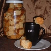 My family loves this for a snack with coffee. You dip this in your coffee. Buttermilk Rusks, Rusk Recipe, South African Recipes, Food To Make, Dip, Biscuits, Deserts, Favorite Recipes, Treats