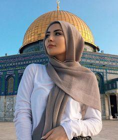 Love it Glamorous - Pemuja Wanita Modest Fashion Hijab, Modern Hijab Fashion, Casual Hijab Outfit, Hijab Fashion Inspiration, Islamic Fashion, Muslim Fashion, Fashion Outfits, Stylish Hijab, Long Skirt Hijab