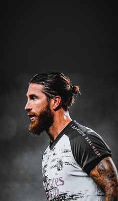 Real Madrid Team, Real Madrid Football Club, Sergio Ramos Body, Real Madrid Wallpapers, Bad Boy Style, Best Beard Styles, Sports Celebrities, Football Wallpaper, Neymar