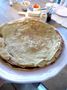 Bokhvete pannekaker.  Til 7 pannekaker trenger du: 200g bokhvetemel 3,5 dl melk (kumelk, soya, nøttemelk) 1 egg bittelitt salt 1 ts bakepulver