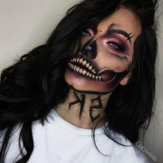Looking for for inspiration for your Halloween make-up? Browse around this site for creepy Halloween makeup looks. Amazing Halloween Makeup, Creepy Halloween Makeup, Halloween Looks, Spooky Halloween, Disney Halloween, Sugar Skull Halloween, Halloween Inspo, Amazing Halloween Costumes, Trendy Halloween