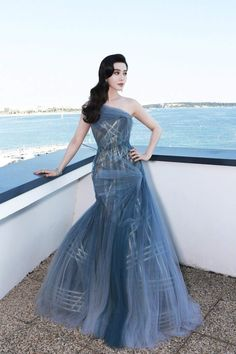 Fan Bingbing in Atelier Versace attends the Closing Ceremony during the annual Cannes Film Festival . Fan Bingbing in Atelier Versace attends the Closing Ceremony during the annual Cannes Film Festival . Gala Dresses, Red Carpet Dresses, Blue Dresses, Formal Dresses, Atelier Versace, Festival Looks, Marine Uniform, Palais Des Festivals, Cannes Film Festival