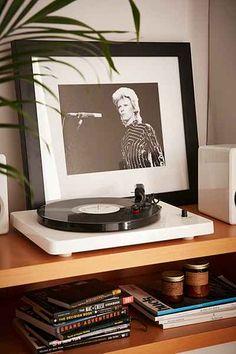 Ziggy Stardust Era Bowie In LA By Richard Creamer/Michael Ochs Archives/Getty Images