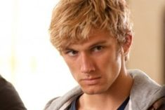 Alex Pettyfer in I am number four playing John Smith. Blond, Alex Rider, Maxon Schreave, Lorien Legacies, Jace Lightwood, Four Movie, I Am Number Four, John Smith, Young Actors