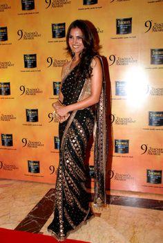 So in love with lara dutta's sari!