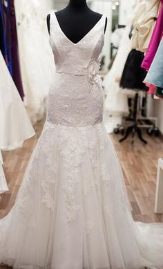 New With Tags Eden Bridals Wedding Dress BL012, Size 10