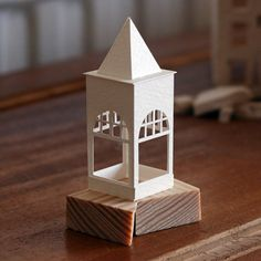 Paperholm Cardboard Houses, Cardboard Art, Architectural Sculpture, Architectural Models, Paper Architecture, Putz Houses, Papercutting, Miniature Houses, Plastic Model Kits